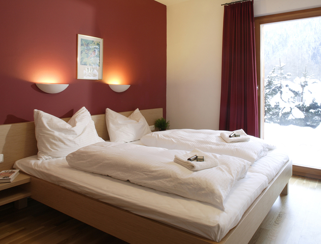 Eagles Bedroom Ski Holidays In Chalet Eagle 39 S Nest St Anton Austria .