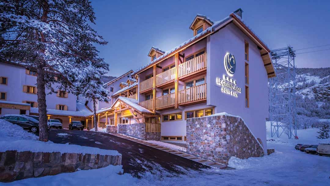 ski holidays in hotel grand aigle serre chevalier france. Black Bedroom Furniture Sets. Home Design Ideas