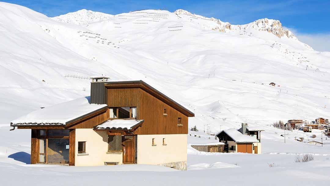 ski holidays in chalet pre du lac tignes