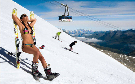 Enjoy summer skiing on the glacier of Tignes!