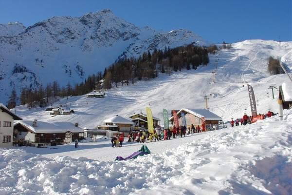 Courmayeur Ski Holidays Snow reports in Courmayeur Skiing in Italy
