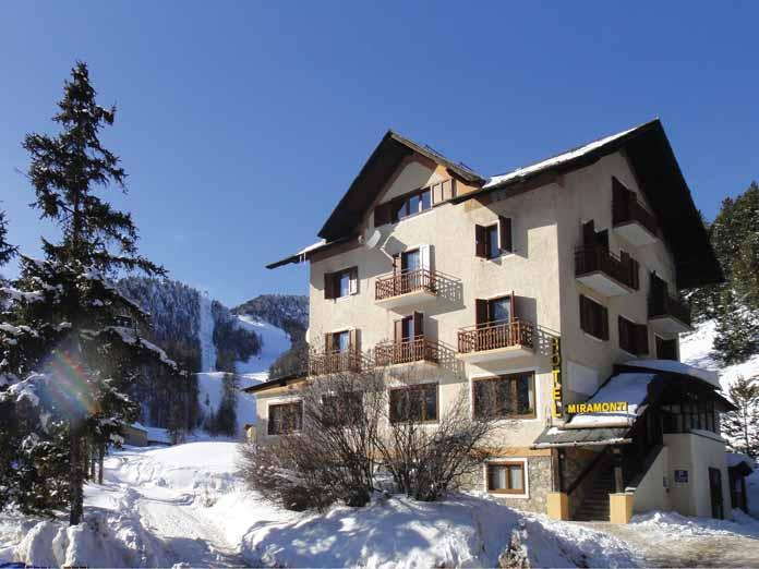 Grid Ref Finder >> Ski Holidays in Hotel Miramonti   Claviere   Italy